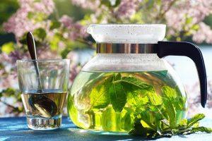 Czajnik i zielona herbata
