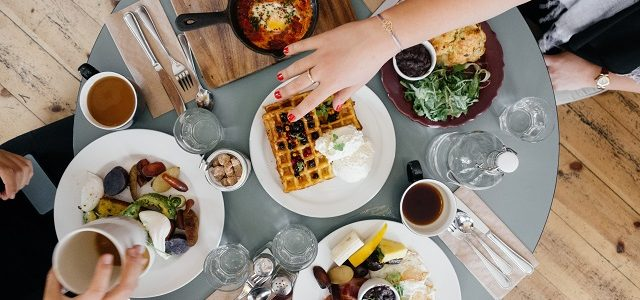 Jak zdrowo się odżywiać? 5 zdrowych nawyków żywieniowych